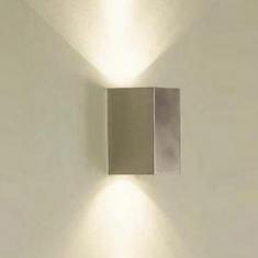 Wandleuchte als Up & Down Strahler für Lichteffekte