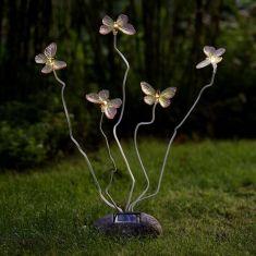 Solarleuchte Schmetterlinge im Schwirrflug