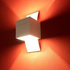 Kleine Wandleuchte -große (Licht-)Wirkung in Aluminium weiß matt