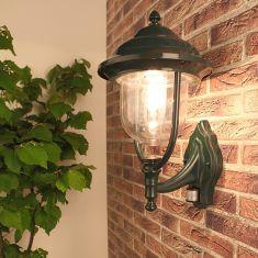 Außenwandleuchte grün in klassischer Form mit Bewegungsmelder - Erfassungsreichweite 8 Meter 1x 60 Watt, grün, 44,00 cm, 180°, 8,0 m, 8 min., 5 sec.