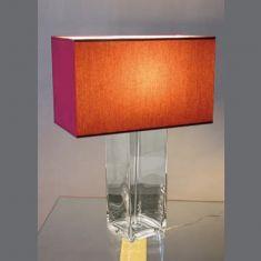 Tischleuchte mit rotem Stoffschirm und individuell befüllbaren Fuß