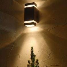 LED-Außenwandleuchte mit up-and downlight, 6 x 1.2 Watt