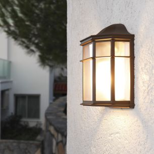Wandlampe für den überdachten Außenbereich - Für Leuchtmittel E27 maximal 60 Watt