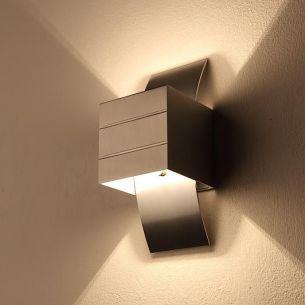 Kleine Wandleuchte - große (Licht-)Wirkung in Aluminium