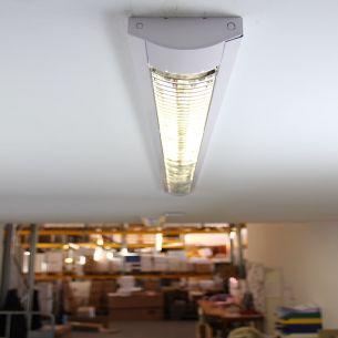 Rasterleuchte in weiß - Länge 134,5cm - für Leuchtstoffröhren weiß