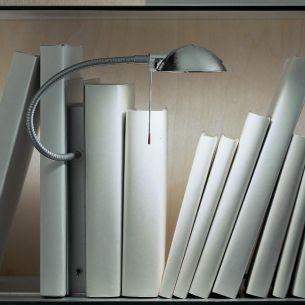 Tischleuchte Oskar by Ingo Maurer, Designleuchte mit Pfiff- ideal als Buchstütze