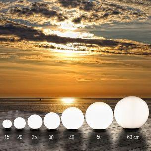 Kugelleuchten Mega-Set in den Größen Ø15cm, Ø20cm, Ø25cm, Ø30cm, Ø40cm,Ø50cm, Ø60cm - aus UV-beständigem, schlagfestem Acryl - mit 2m Gummizuleitung und Stecker