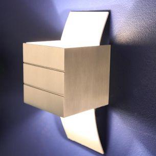 Kleine Wandleuchte -große (Licht-)Wirkung in Aluminium und weiß matt