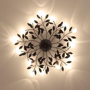 Die schönsten Blüten übers ganze Jahr - Romantische Deckenleuchte mit satinierten Gläsern