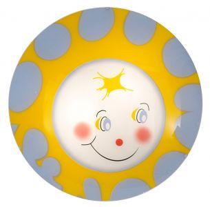 Sonnenschein im Kinderzimmer mit Leuchte