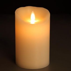 LED-Kerze aus Echtwachs, glatte Oberfläche, Höhe 18 cm 18,00 cm