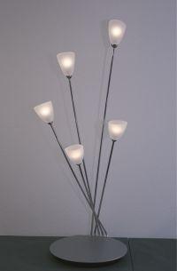 Tischleuchte mit Drehdimmer, 3 oder 5 flammig wählbar, aus Aluminium geschliffen und Edelstahl, Glas weiß