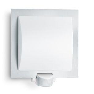 Attraktive Wandleuchte für Innen und Außen mit Infrarot-Sensor