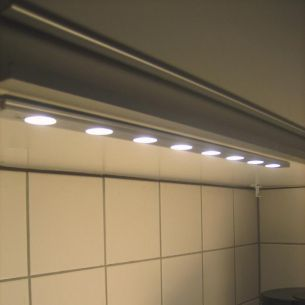 LED-Schiene STRIP-LED eingefasst in edlem Aluminium (satin-finish), Grundset