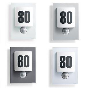 LED-Hausnummernleuchte aus Opalglas mit Infrarot-Sensor inklusive Klebenummern - wählbar in vier Ausführungen