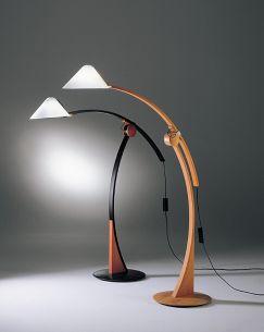 Modernes Design und Naturmaterialien vereint in einer Leuchte POLLO - mit Fußdimmer