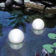 Schwimmfähige LED-Solar Kugelleuchte - Lichtfarbe weiß LED kaltweiß/Erdspieß
