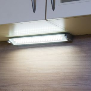 Schwenkbare LED-Unterbauleuchte aus Aluminium 5,4W
