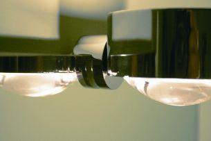 Spiegelklemmleuchte Puk Fix zur eigenen Inszenierung in 3 Oberflächen