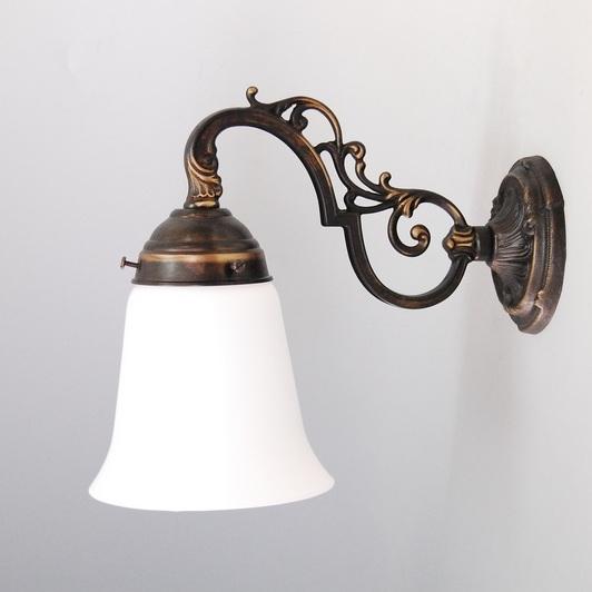 wandleuchte in antik mit cremefarbigem glas wohnlicht. Black Bedroom Furniture Sets. Home Design Ideas