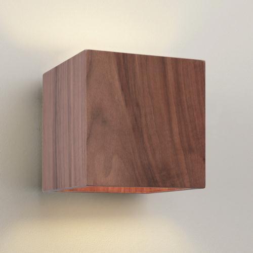Dekorative Holzwandleuchte - Walnuss - Breite 14cm