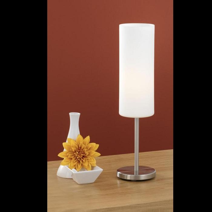 EGLO Schlichte Tischleuchte mit weißem Glas 85981